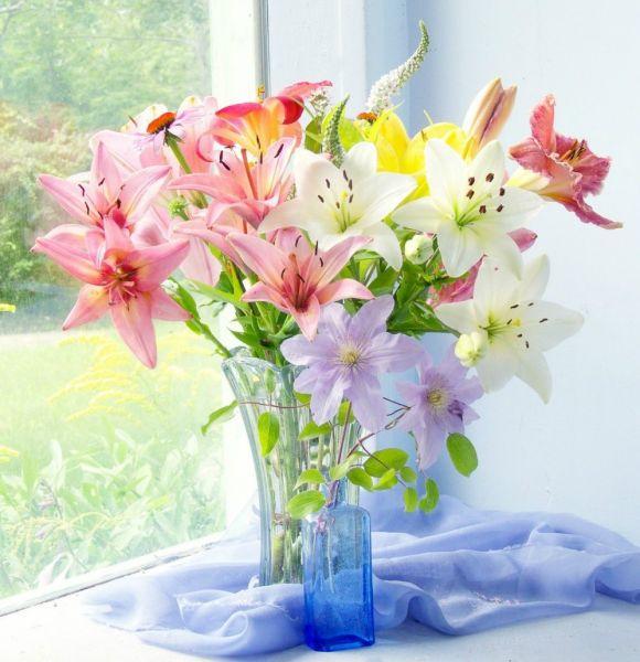 Открытка с днём рождения цветы лилии 24